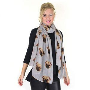 bufandas con perros pug carlino